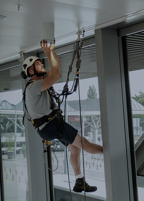 Rope access equipment discreet solution
